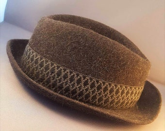 Vintage Dunn & Co Felted Wool Trilby Hat,  Dunn and Co, Great Britain Trilby,  Dark Grey Wool Trilby Hat - Size 6 5/8 - 54
