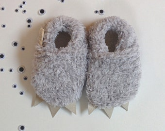 Monster slippers | Baby shoes | Gray and furry | Warm and cozy | Super fluffy