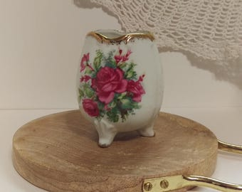 Petite Footed Vase, Tilso Footed Egg Vase Hand Painted and signed Measures approx.; 5 inches tall Made in Japan, pink roses