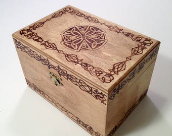 Celtic keepsake box - Celtic recipe box - Celtic wood box - wood burned box - Celtic design
