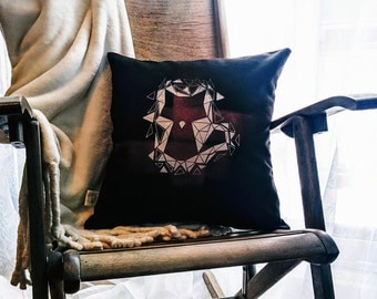 Cushion Renard\/cat - silver/red stripes cover