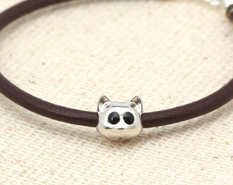 Big Eyes. Cat bracelet in sterling silver and brown leather cord