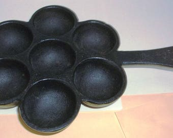 Vintage Cast Iron Popover or Muffin Pan
