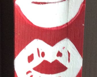 Hot Lips Red Hanging Sign
