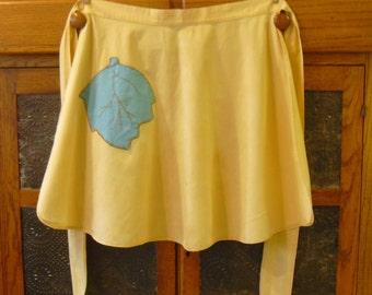 Vintage Yellow Half Apron, One Turquoise Leaf Pocket, Kitchen Cooking Apron, Square Sash, Old Farmhouse Country Apron