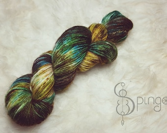 Hand dyed speckled yarn, BFL DK weight - Bosnimf