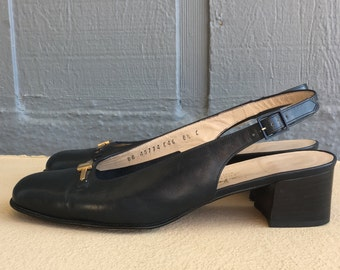 Vintage Women's Classic Salvatore Ferragamo Dark Navy Blue Leather Sling Back Pumps Size 8.5