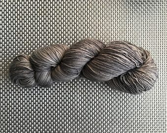 Erebus, yarn dyed by hand, shades of gray, fingering, Merino/cashmere/nylon (115g) size down