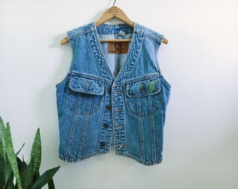 Denim Vest embroidered with cactus