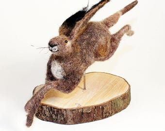 Needle felted hare, collectible hare, OOAK, needle felted animal, fibre arts, felting, hare gift, Judy Balchin, Woolly Felters, Roz Dace