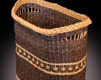 Handmade basket/Wicker laundry basket/storage basket/wicker laundry/Oval wicker basket/Wicker basket/