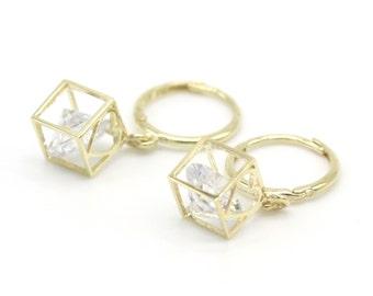 14k Solid Yellow Gold hoop Earrings 6871 Charming Cube Heart Design Lovely