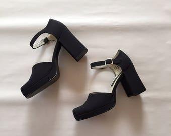 black platform sandals | 90s ankle strap heels | 7.5