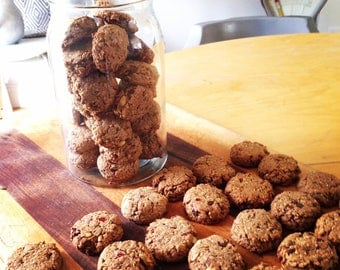 Weekend Organic Oatmeal Pantry Cookies for Pet Owners