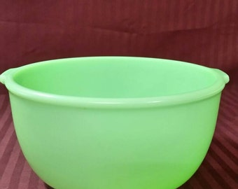 Jade-ite mixing bowl from sunbeam mixer.