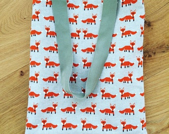 Fox print tote bag