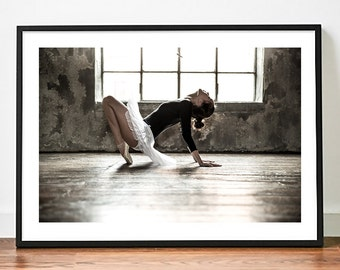 Poster poster ballet dancer, original and feminine decoration for the House. Made on gloss paper