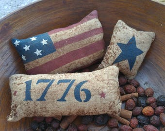 Primitive July 4th Bowl Fillers, Patriotic Decor, Americana Decor, Independence Day Decor, Red, White & Blue, Grungy Pillow Ornies