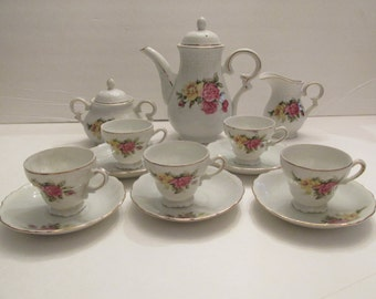 Beautiful Vintage Roses Tea/Coffee Set Trimmed In Gold Service For 5