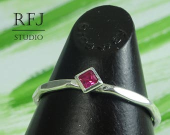 Kite Synthetic Ruby Faceted Silver Ring, July Birthstone Minimal Rhombus Setting Ring, Princess Cut 2x2 mm Square Pink Corund Stacking Ring