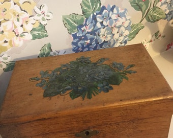 Pretty vintage wooden box