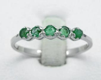 0.60 Carat t.w 5pcs Natural Green Emerald Ring in 925 Sterling Silver