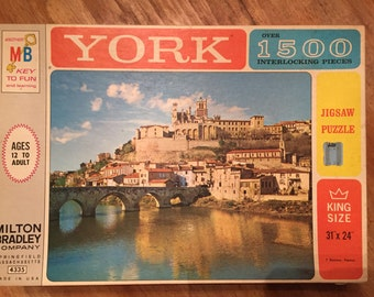 1963 York 1500+ Pieces King Size Beziers France Puzzle by Milton Bradley No 4335