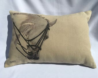 Horse beige linen cushion