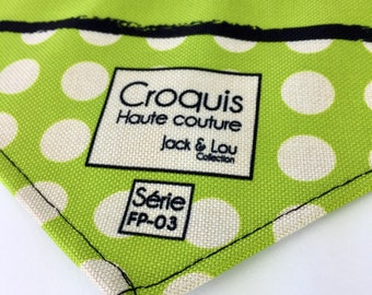 Scarf for dog/size small/buttons pressure/green peas / great quality fabric / washable / sturdy/great cute
