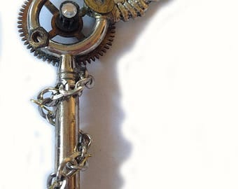 steampunk key Schlüssel pendant necklace lonley wing