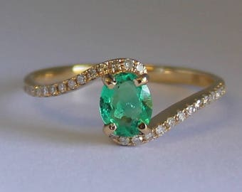 Emerald ring Yellow gold Colombian emerald and 24 diamonds ring  certified  FGAA