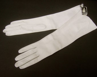 SAKS FIFTH AVENUE Ivory Long Leather Gloves c 1960