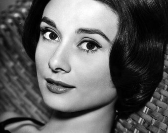 Audrey Hepburn Film Actress Hollywood Movie Film Star Glossy Black & White Photo Print Picture - 7x5, 8x10, A4
