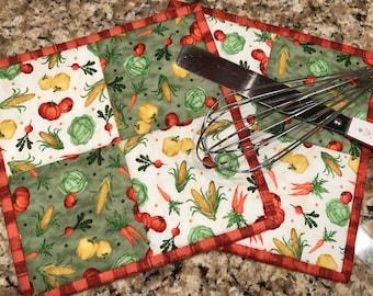 Quilted potholders, kitchen potholders, trivet, Item #166