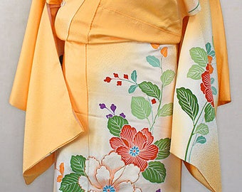 second hand kimono, Japanese vintage semi formal kimono, tsukesage, silk, flower