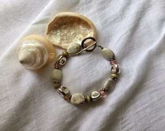 White turquoise and lampwork glass bead bracelet