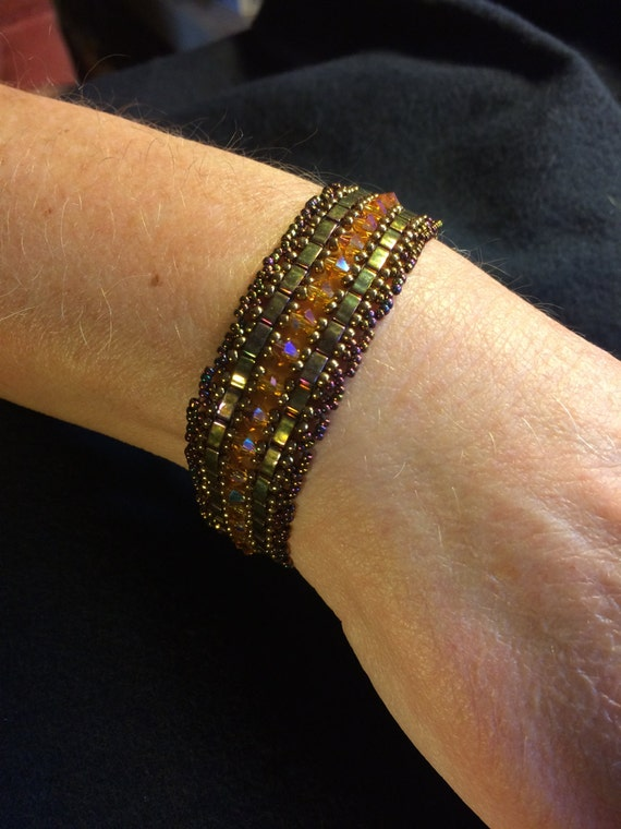 NO 87 Hand woven crystal and glass beaded bracelet