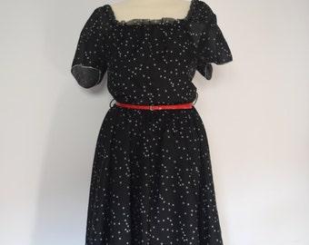 Vintage Maxi Dress / Black and White / Frilled Neckline, Sleeves and Hem / Flared / ΧΧL