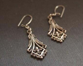 Fleur de Lis Earrings, Fleur de Lys, Fleur de Lis Jewelry Boho Drop Earrings, Chandelier Earring, French Earrings, Bohemian Earrings Vintage