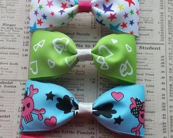ON SALE!! 5 Girls Hair Bows, party favors, fun hair bows, kawaii, skull favors, loot bag, summer hair