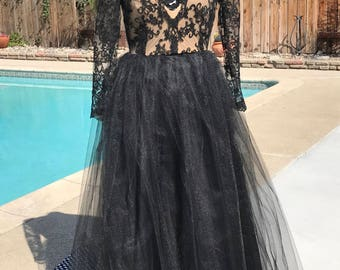 Lace and tulle evening dress