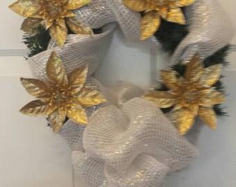 Christmas wreath / holiday wreath / front door wreath / door wreath / poinsettias wreath / gold poinsettias