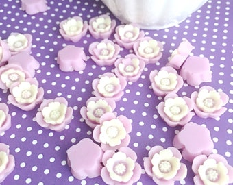 Purple and White Resin Flower Cabochon | Flower Cabochon | Resin Flower | Resin Daisy | 12mm Resin Floral Cabochon | 12 Pieces