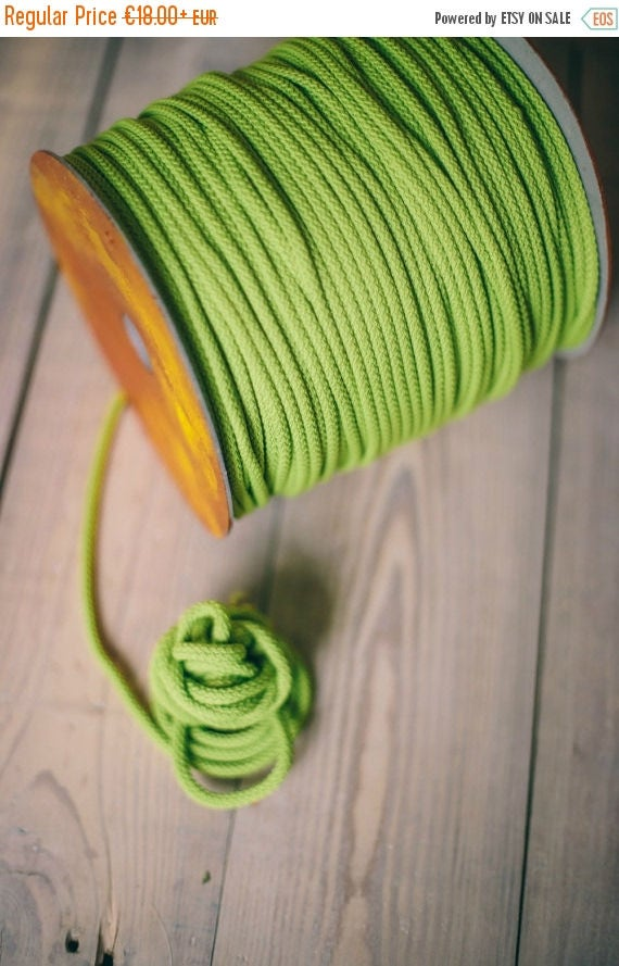 LIGHT GREEN crochet rope, makramee garn, macrame rope, DIY projects, craft supplies, craft yarn, rope yarn, polyester cord. #39