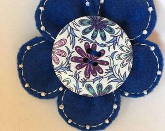 Brooch felt flower blue large button
