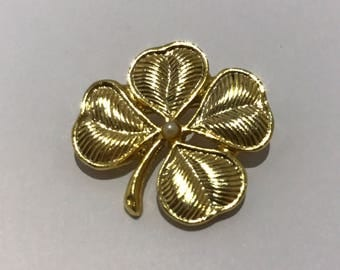 PIN old clover has four golden leaf signed aconda, vintage jewelry retro saint patrick's day