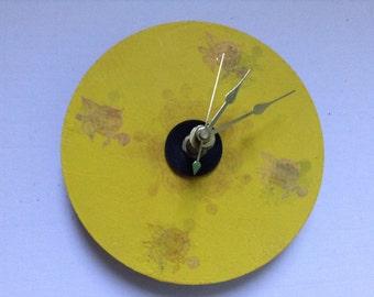 4 1/2 inch CD battery clock
