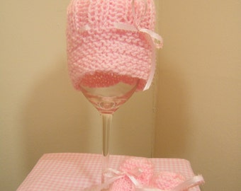 Baby knit pink hat and booties 0-3 mos