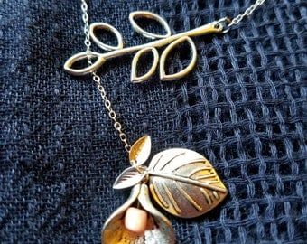 Silver Olive Leaf & Lily Lariat Necklace