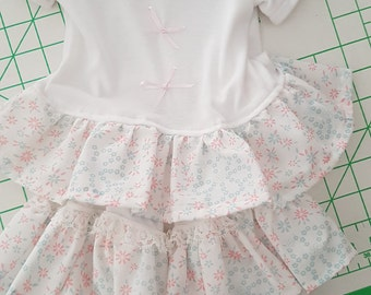 White t shirt and frilly knickers set soze 6-12 months